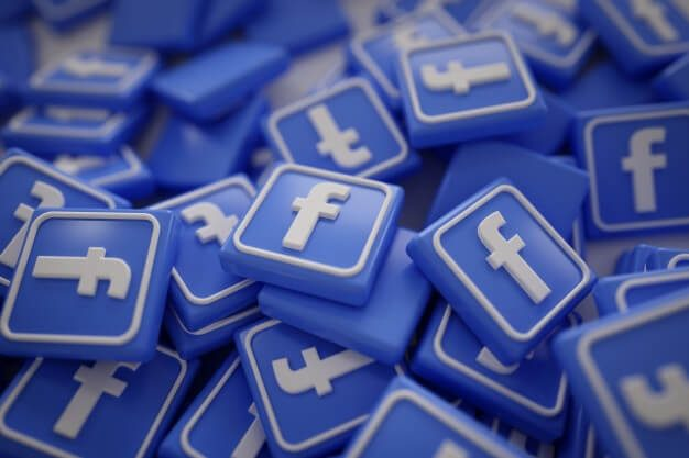 The Decline of Organic Facebook Reach & How to Adjust to the Algorithm